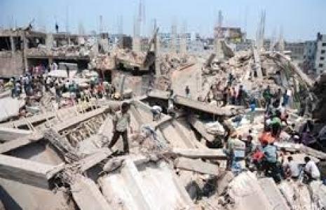 Рабочие Бангладеша поджигают фабрики
